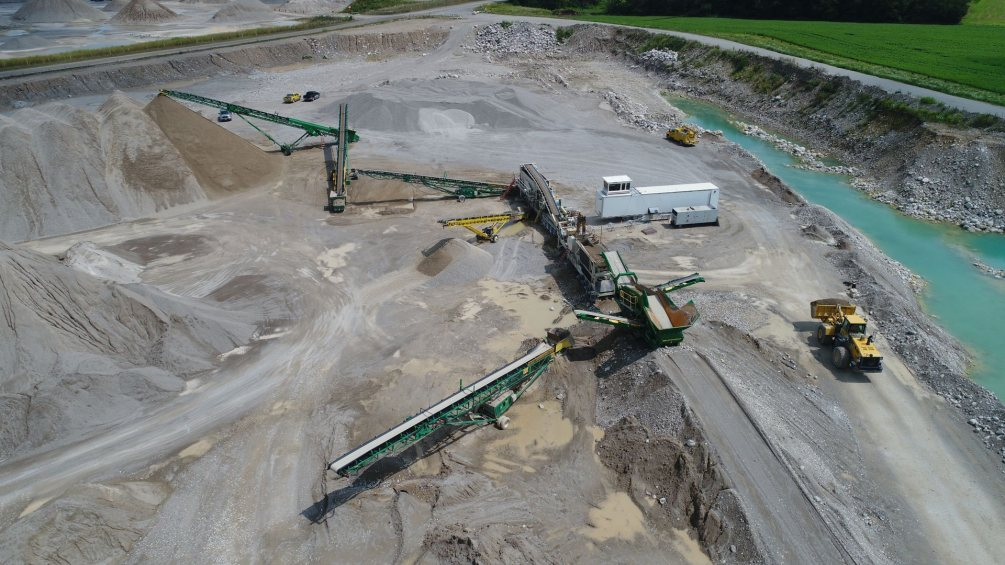Crusher in gravel pit
